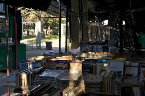 Books for sale at the Parque Rivadavia (photo courtesy of Beatrice Murch)