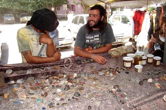 Vendors at the feria (photo: Guia Patagonia)
