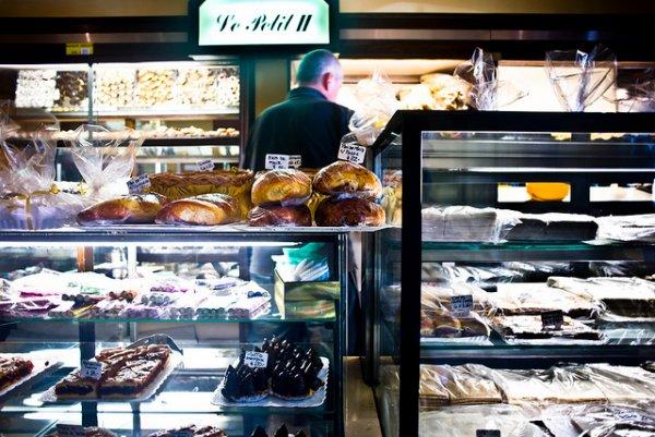 Tasty offerings at Le Petit II. (photo: Simon Guerra)